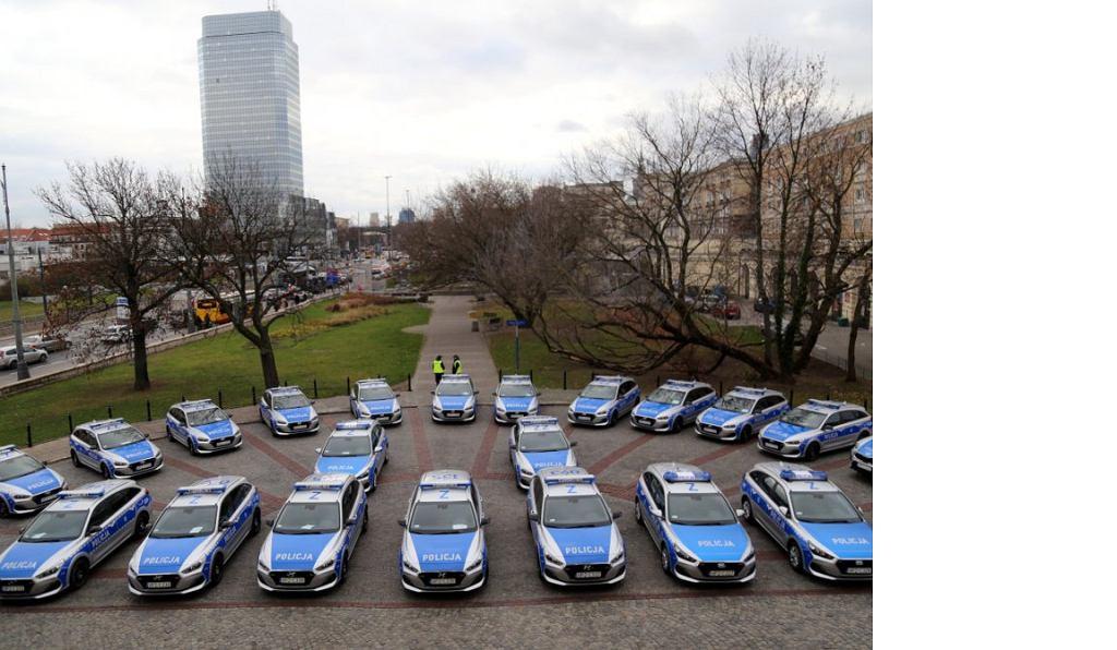Nowa flota stołecznej Policji/Fot. www.policja.waw.pl