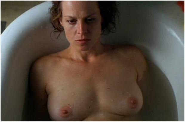 Zdjęcie numer 11 w galerii - Figura zyskała miano seksbomby, ale nie tylko ona rozbierała się na ekranie. Te aktorki nie boją się odważnych scen [18+]