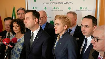 Kierownictwo Polskiego Stronnictwa Ludowego, Władysław Kosiniak-Kamysz , Jarosław Kalinowski oraz Unii Europejskich Demokratów , Elżbieta Bińczycka po posiedzeniu Rady Naczelnej podczas konferencji prasowej ogłasza, że przystąpi do Koalicji Europejskiej wraz z innymi ugrupowaniami opozycyjnymi