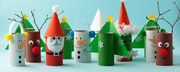 Dekoracje zimowe można wykonać z rolek po papierze toaletowym. Zdjęcie ilustracyjne
