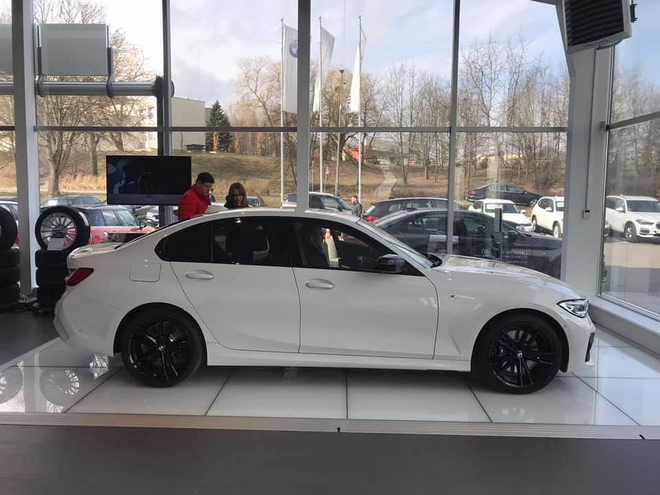 Zdjęcie numer 5 w galerii - Piętrowy Mercedes, nowe BMW i rozchwytywana Toyota