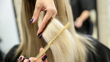 Te fryzury są kiczowate i dawno niemodne. Dodają nawet 15 lat! Nie noś ich więcej, jeśli nie chcesz się postarzać