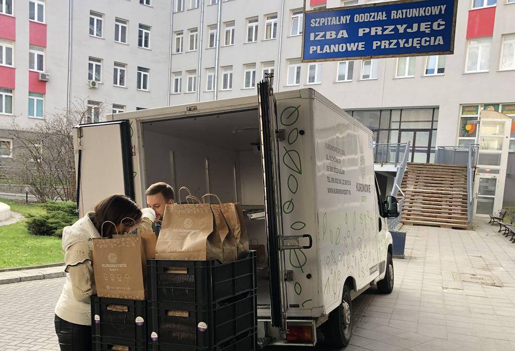 Do akcji pomocy pracownikom szpitali włączyła się także Fundacja Kuroniówka i Kuroniowie Diety