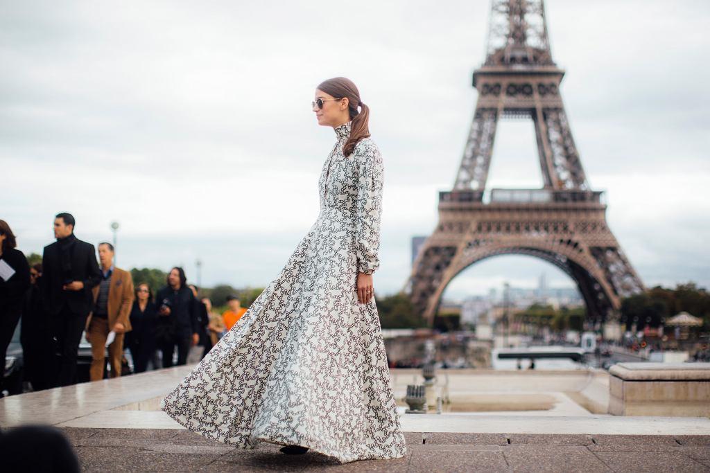 Długa sukienka na wesele
