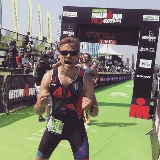 Na mecie sprinterskiego dystansu Herbalife Ironman 70.3 w Gdyni. Sierpień 2015.