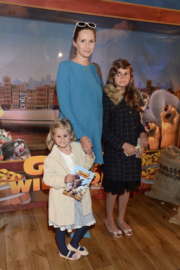 Monika Mrozowska z dziećmi