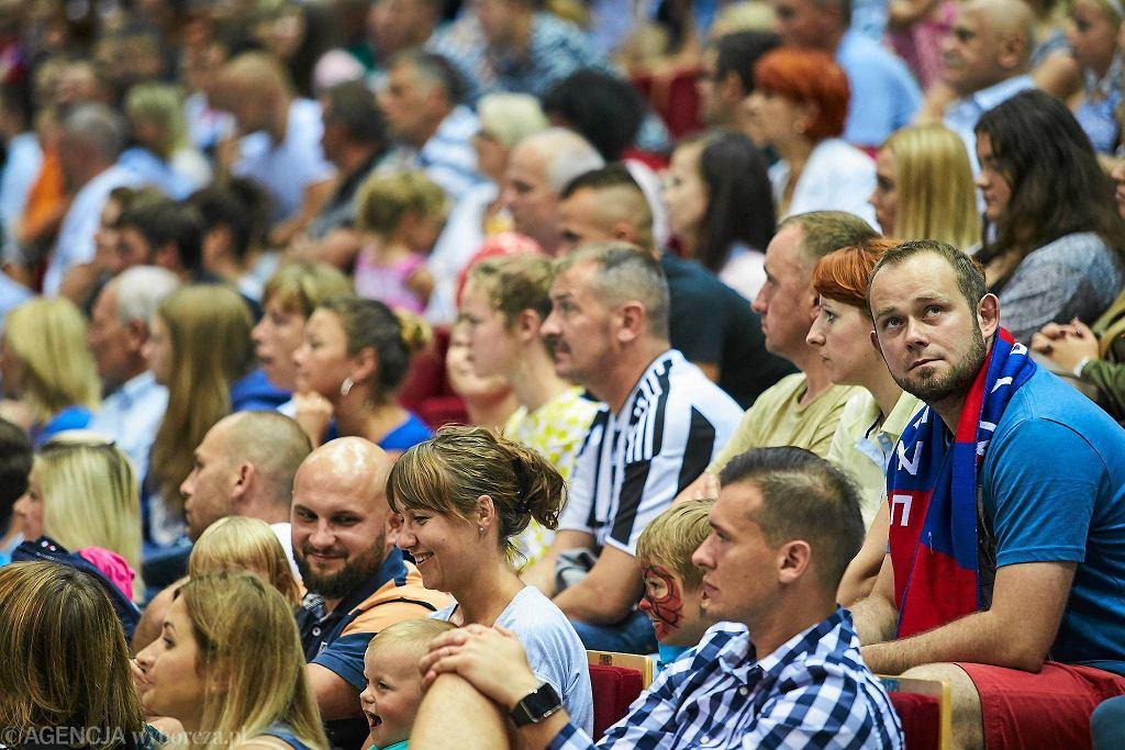 Wybrzeże Gdańsk - Vive Kielce 19:31. Mecz w Ergo Arenie oglądało ponad 5 tys. kibiców