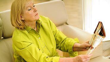 Odsuwanie tekstu, by był czytelny, ból głowy i zmęczenie wzroku, kiedy patrzymy z bliska, to objawy, które powinny skłonić do badania