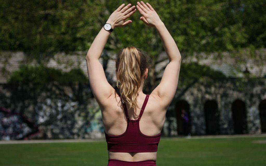 ćwiczenia na proste plecy