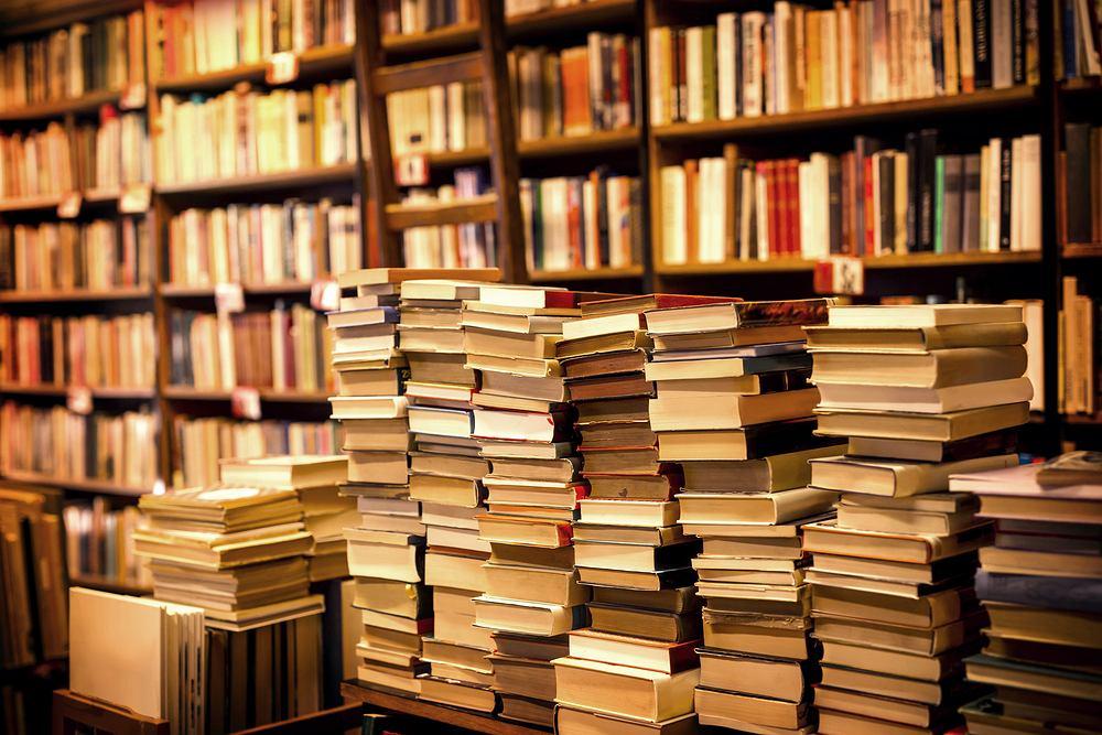 Używane książki. Gdzie kupić książki z drugiej ręki? Gdzie oddać stare książki? Zdjęcie ilustracyjne