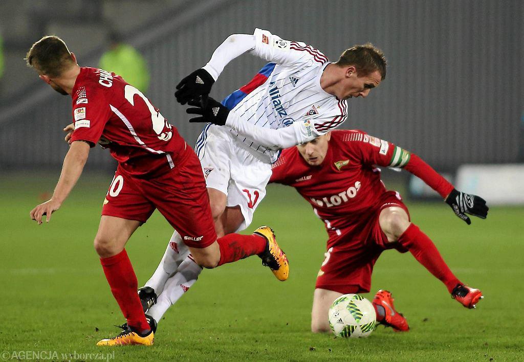 Mariusz Przybylski w meczu z Lechią Gdańsk