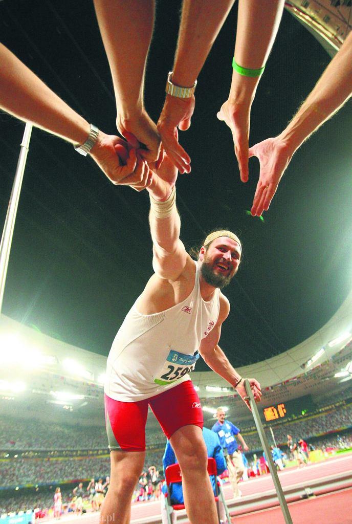 2008 Kulomiot Tomasz Majewski właśnie zdobył złoto na olimpiadzie w Pekinie
