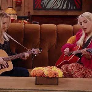 Lisa Kudrow i Lady Gaga w specjalnym odcinku - Przyjaciele: Reunion