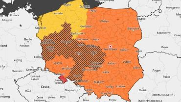 Pogoda. IMGW ostrzega przed upałami i burzami z gradem. Mapa Polski wypełniona alertami
