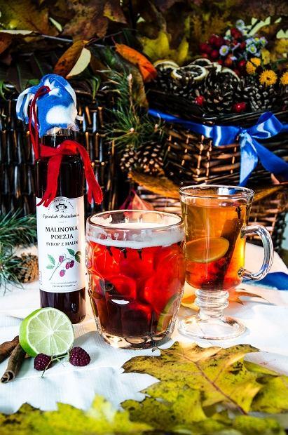 Rozgrzewający napój na bazie Syropu z malin Ogródek Dziadunia