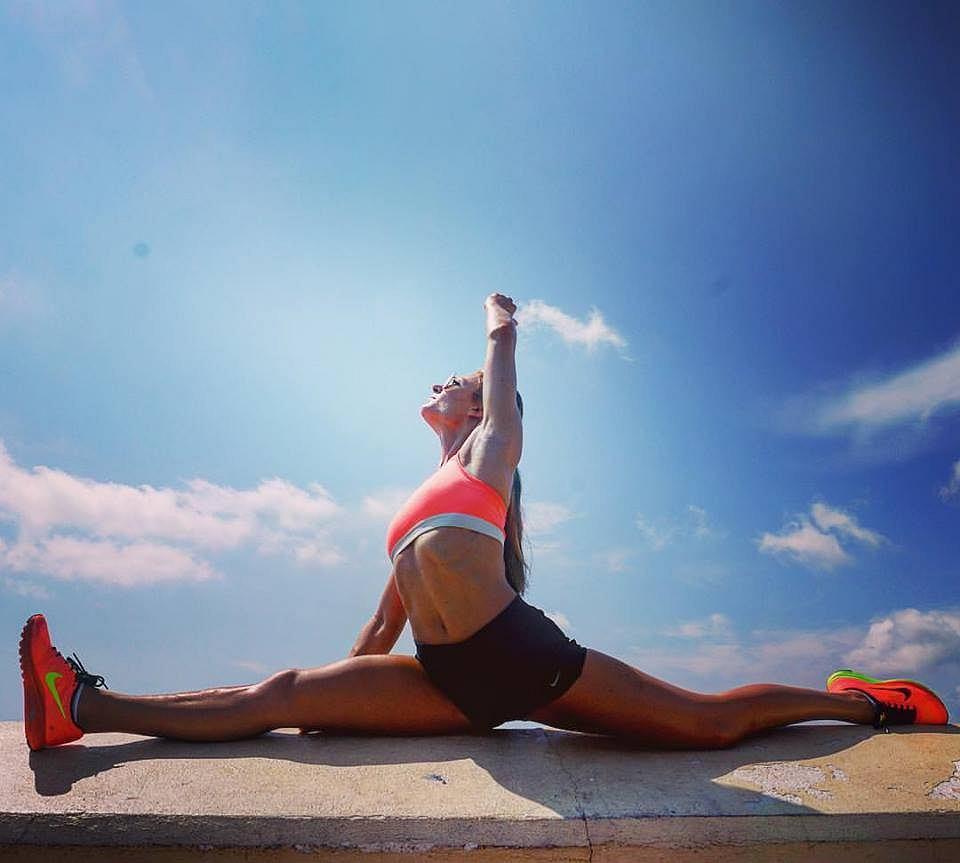'Najlepsze efekty zarówno ja, jak i moi podopieczni uzyskaliśmy dzięki mojemu autorskiemu programowi Foga Fitness. Trening będzie dostępny na DVD już na początku 2017 roku. Połączenie jogi, dzięki której wzmacniamy mięśnie głębokie i rozciągamy się z dynamicznym fitnessem, jest przeznaczone dla każdego. Zarówno dla osób, które dopiero zaczynają ćwiczyć, jak i dla tych, którzy trenują od dłuższego czasu i chcą utrzymać swoją sylwetkę w dobrej formie.'