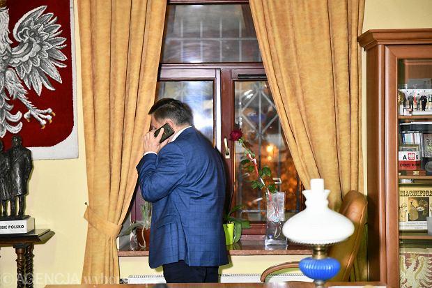 Zdjęcie numer 1 w galerii - Wybory 2018. Nadzieja a potem smutek. Wieczór wyborczy w sztabie Wojciecha Skurkiewicza