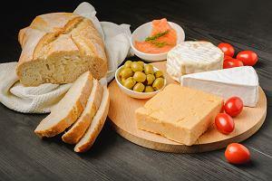 Ser pleśniowy - czy jest zdrowy? Kto nie powinien go jeść?