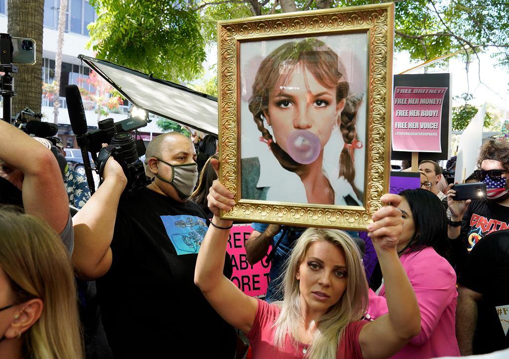 Członkowie ruchu Free Britney
