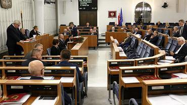 Senat podczas prac nad nowelizacją ustawy o Sądzie Najwyższym po postanowieniu Trybunału Sprawiedliwości Unii Europejskiej ., 23 listopada 2018.