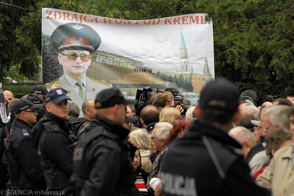 Protest w czasie uroczystości pogrzebowych gen. Wojciecha Jaruzelskiego