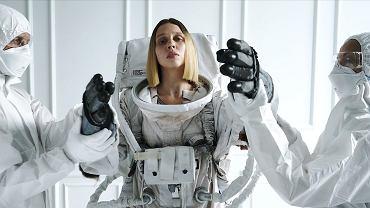 Kadr z klipu 'Odyseja'
