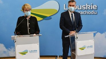 Konferencja prasowa w urzędzie marszałkowskim w Zielonej Górze. Na zdjęciu marszałek Elżbieta Polak i poseł Waldemar Sługocki, szef lubuskiej PO