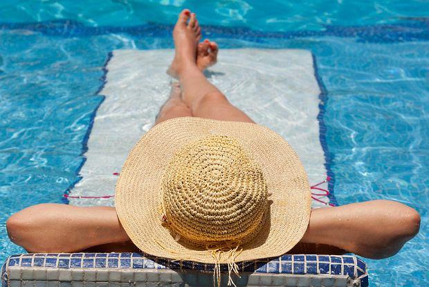 Uroda nie idzie na urlop! Latem też odmładzamy skórę - ale w szczególny sposób