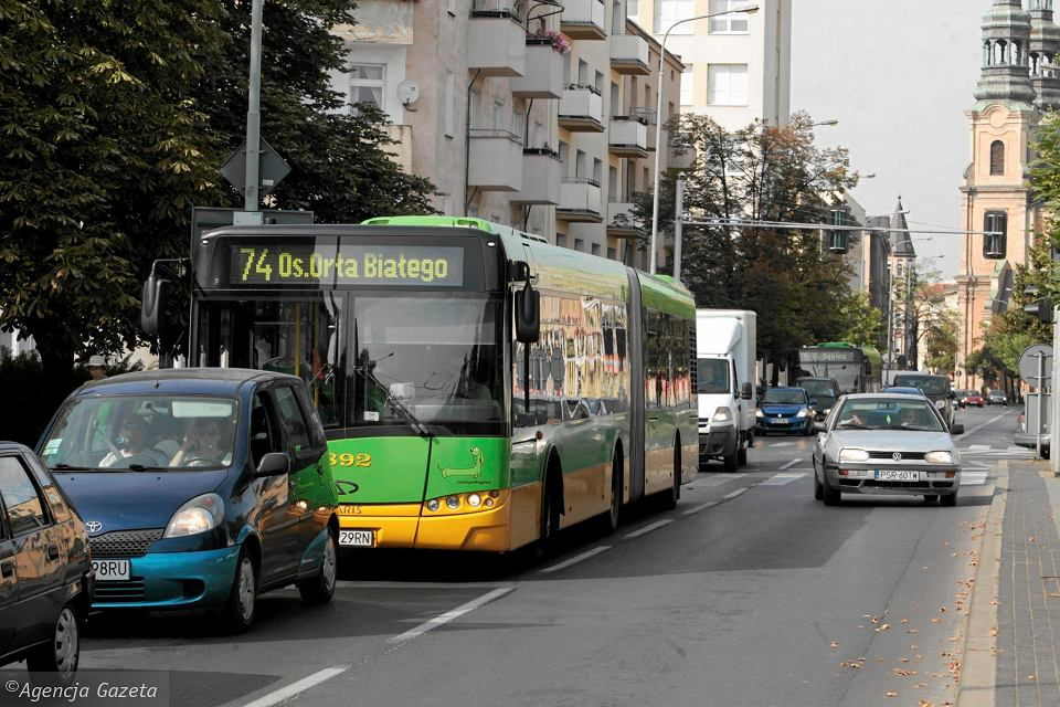 Hindusi na razie prowadzą autobusy MPK Poznań pod okiem tzw. patronów