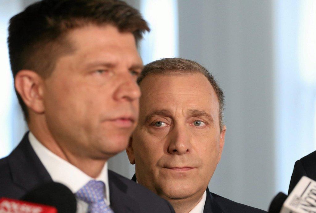 Ryszard Petru i Grzegorz Schetyna (fot. Sławomir Kamiński/AG)