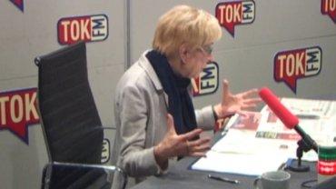 Janina Paradowska w studiu radia TOK FM
