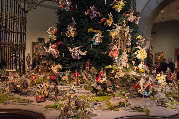 Świąteczne drzewko w Metropolitan Museum of Art w Nowym Jorku
