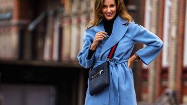 Ciepły, modny i uniwersalny? Ten płaszcz dla 50-tek pięknie wysmukla sylwetkę i chroni przed mrozem!