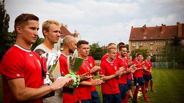 Piłkarze Warty Gorzów w sezonie 2017/18 awansowali do trzeciej ligi i przegrali w finale lubuskiego Pucharu Polski