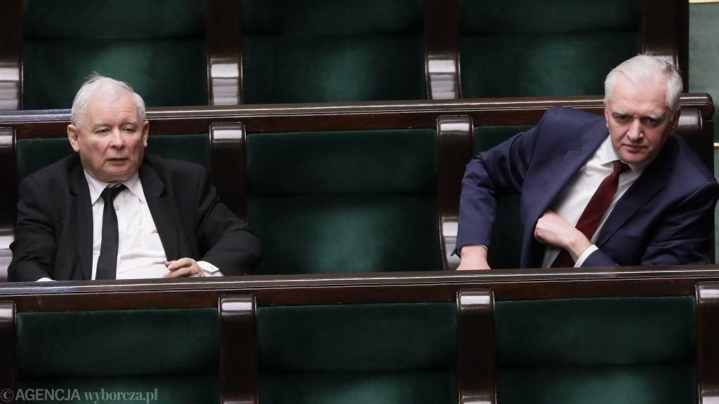 Prezes PiS, wicepremier Jarosław Kaczyński i prezes Porozumienia Jarosław Gowin