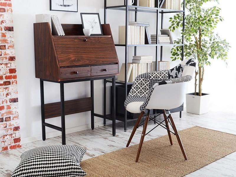 Modne biurka w promocyjnych cenach.