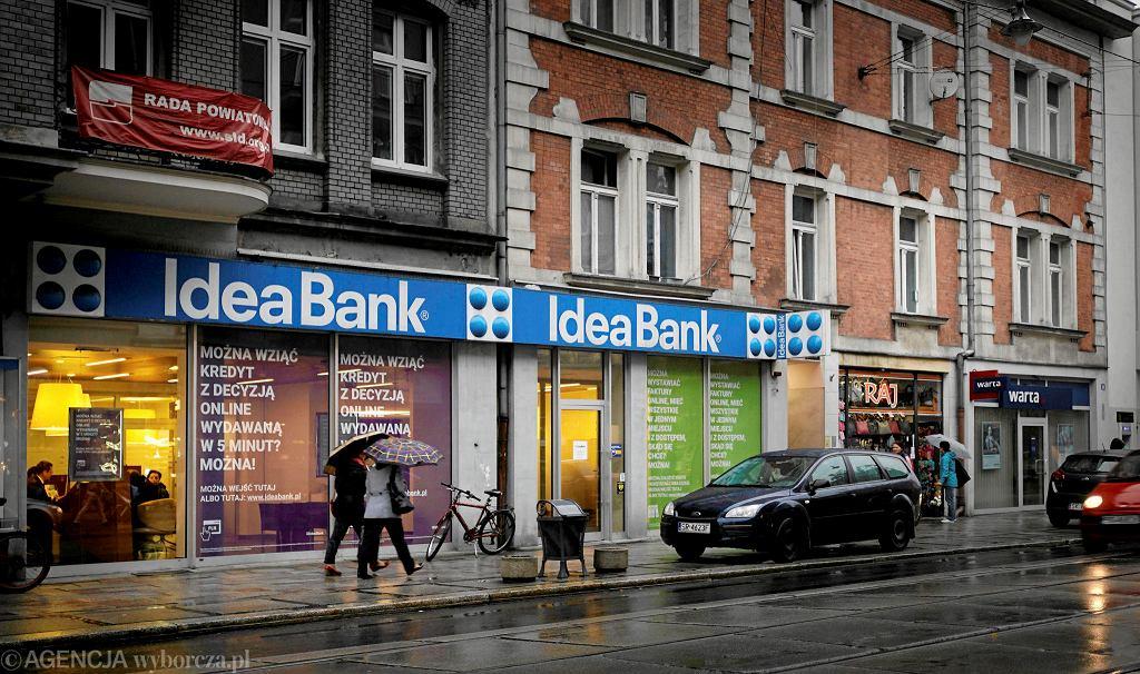 UOKiK i KNF bada czy Idea bank oszukiwał klientów sprzedając ryzykowne obligacje.