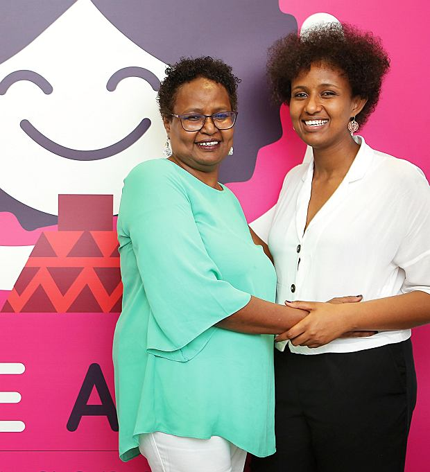 Asha Ismail i Hayat Traspas z organizacji Save a Girl Save a Generation, ratującej dziewczynki przed obrzezaniem