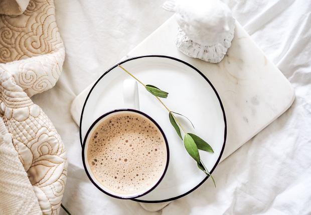 Nadmiar kofeiny może szkodzić. Poznaj skutki uboczne picia zbyt dużej ilości kawy