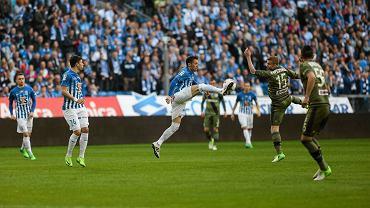 Lech Poznań prowadził z Legią Warszawa 1:0 po golu Tomasza Kędziory z 82. minuty meczu. W końcówce Kolejorz dał sobie jednak wbić dwa gole i przegrał 1:2. Decydujący cios w ostatniej akcji meczu zadał były gracz Lecha, Kasper Hamalainen