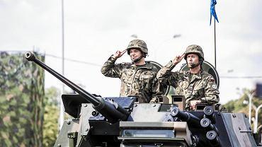 Wielka defilada na Wisłostradzie z okazji Święta Wojska Polskiego