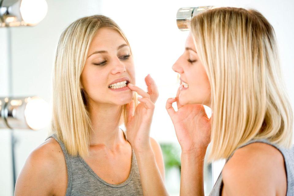 Niektóre objawy w jamie ustnej mogą sugerować zaburzenia czynności tarczycy