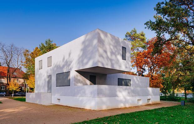 Dom Gropiusa w Dessau. Trudno uwierzyć, że został zaprojektowany i zbudowany w czasach, gdy tańczyło się głównie fokstrota