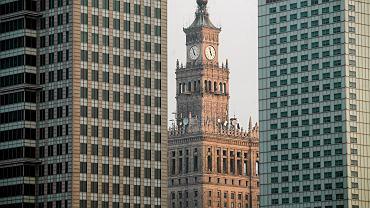 Warszawa, 2010 r. Od lewej: Warsaw Financial Center, Pałac Kultury i Nauki, Hotel Intercontinental