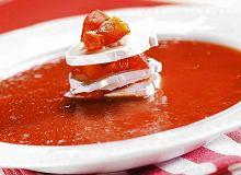 Zupa pomidorowa z kozim serem i czerwoną papryką - ugotuj