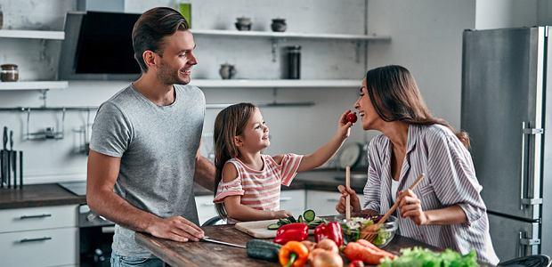 Jak gotować w domu smaczne i zdrowe posiłki bez niespodzianek?