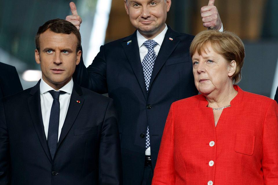 https://bi.im-g.pl/im/7e/da/14/z21864574V,Prezydent-Francji-Emmanuel-Macron-i-kanclerz-Niemi.jpg