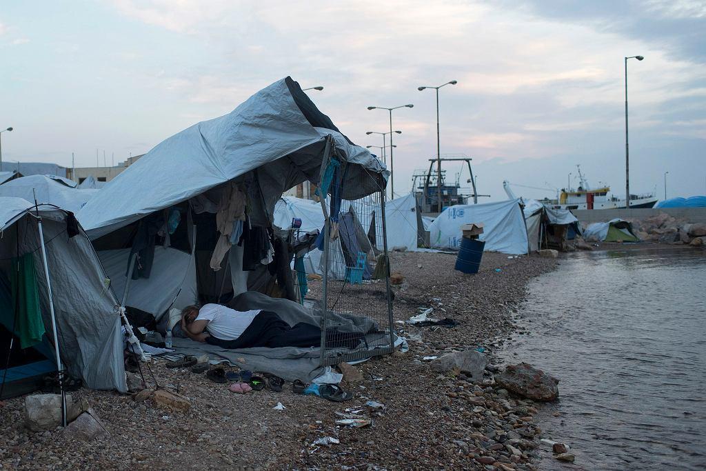 Obóz dla uchodźców w Grecji na wyspie Chios (fot. Petros Giannakouris/AP)
