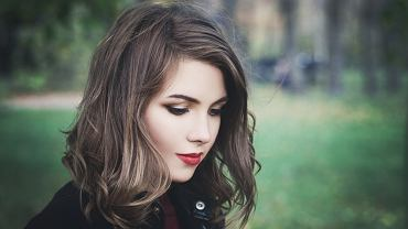 Fryzury - trendy na jesień 2019. Lista 5 największych hitów wśród stylizacji włosów