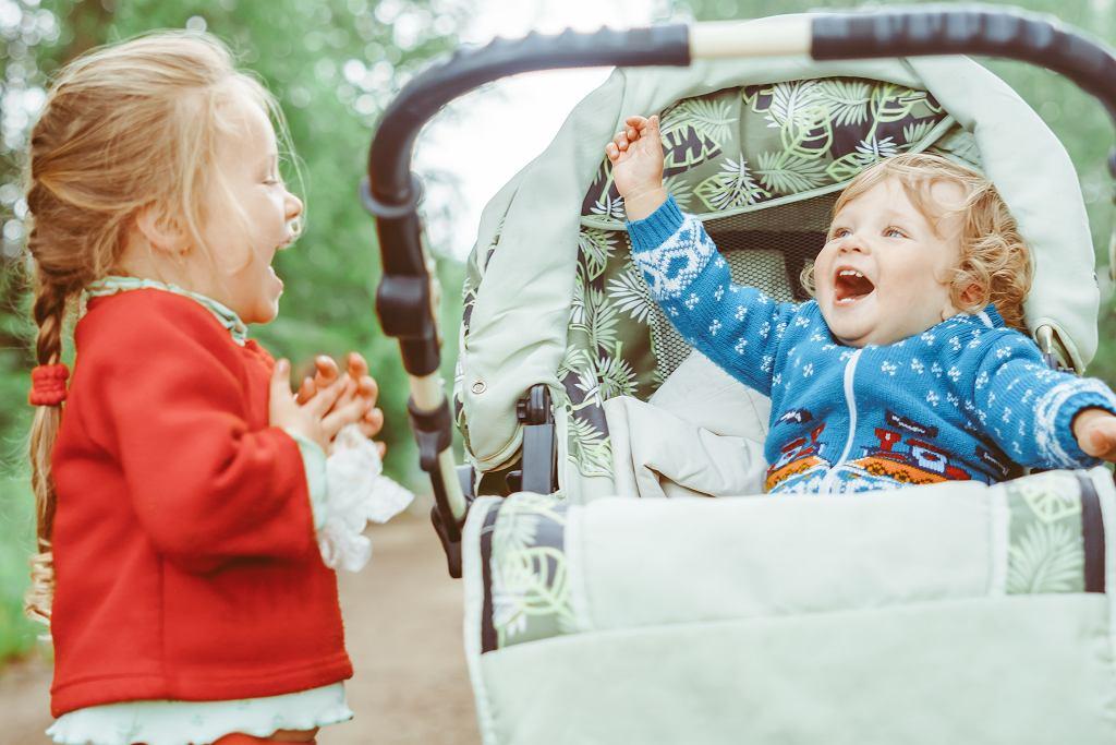 Jak ubrać dziecko na spacer?